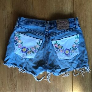 High Waisted Levi 501 Shorts with Floral Pockets